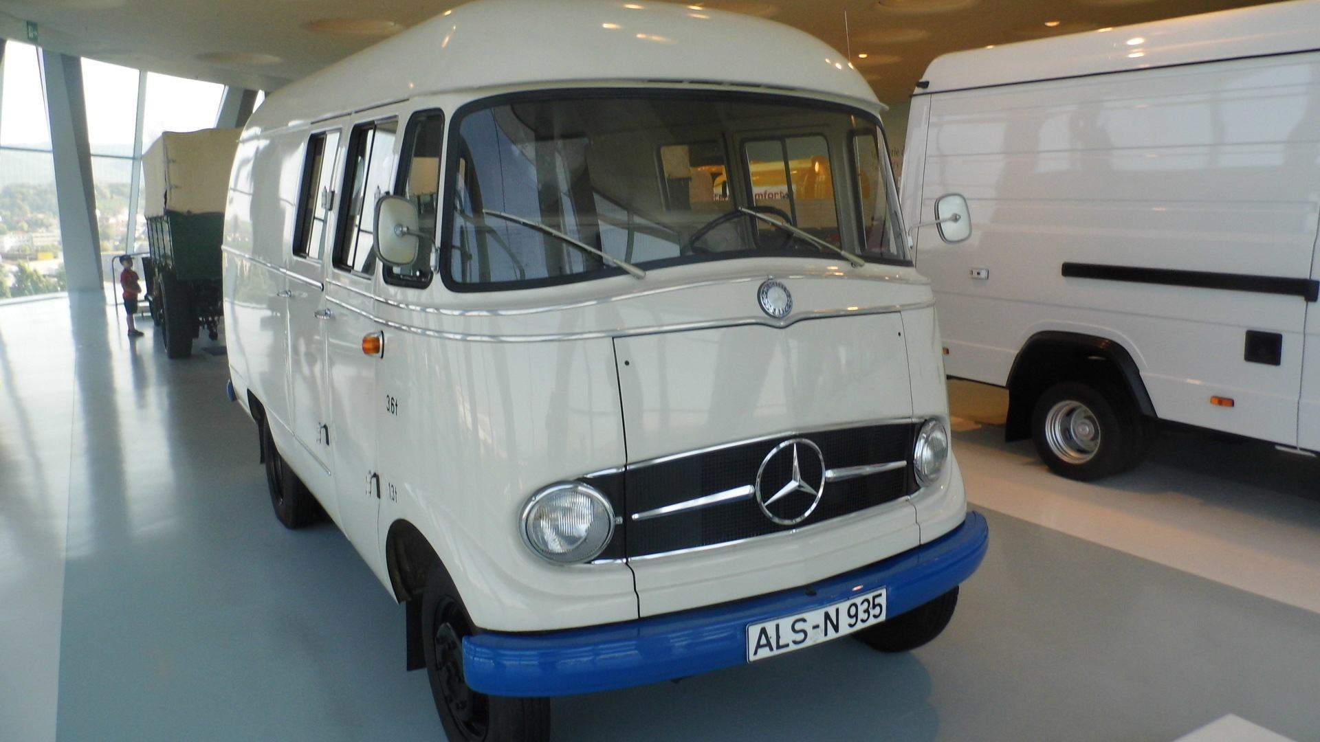 Mercedes-Benz L 406 Kastenwagen