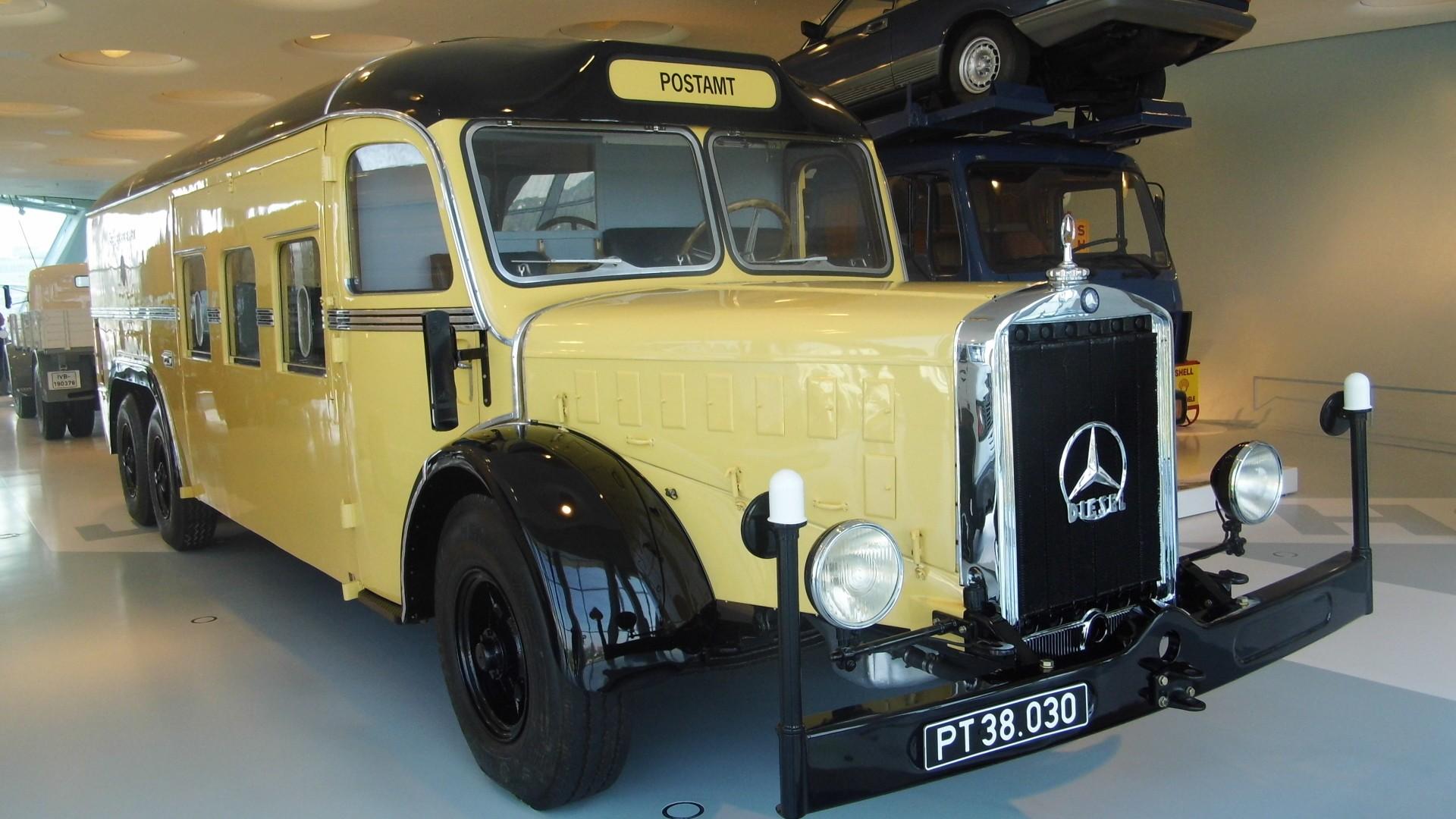 Mercedes Benz O 10000